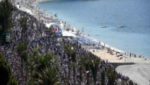 Nizza - www-repubblica-it 124029259-7763f14e-082a-4932-aafc-97d0c602ac03 -350X200