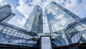 epa05766463 Exterior view on the twin towers of Deutsche Bank during the annual press conference in Frankfurt Main, Germany, 02 February 2017. Deutsche Bank reported a net loss of 1.9 billion euro for the Q4 of 2016 plus the second consecutive loss for a full year result. EPA/Torsten Silz