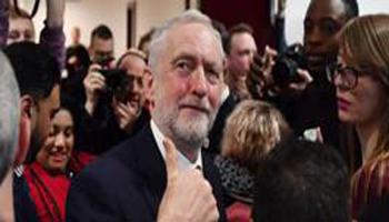 Brexit, la svolta di Corbyn: «Dobbiamo restare nell'unione doganale e nel mercato unico»