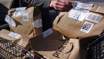 Amazon – Poste, consegne anche di sera e nei weekend