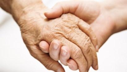 Mani Anziana e Donna - Assunzione-familiare-disabile-640x342 - www-investireoggi-it - 350X200