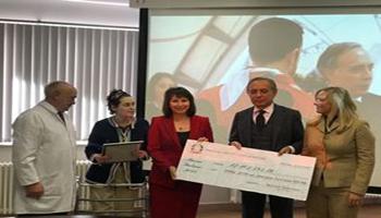 """Mosca: l'Ambasciatore Terraciano consegna il ricavato del """"Bazar Italiano"""" al centro Rogachev"""