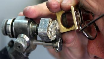 La truffa dei diamanti, spiegata
