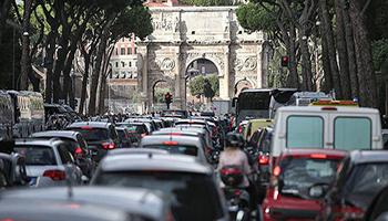 Roma, la città italiana con il traffico più caotico