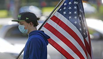 """Gli Stati Uniti vogliono che la Cina paghi per COVID-19 e il top banker vede il """"rimbalzo"""" dopo il virus"""