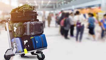 Fuga degli italiani all'estero,131 mila le partenze per l'espatrio nell'ultimo anno,4 su 10 hanno tra i 18 e i 34 anni