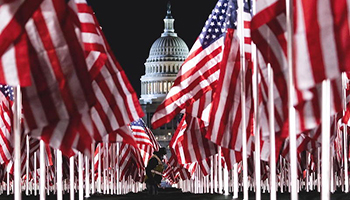 Le foto delle bandiere per l'insediamento di Joe Biden