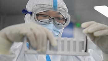 Tre virologi di Wuhan malati gravemente di Covid già a novembre 2019