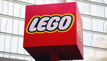 Lego, la pandemia ha spinto le vendite e il gruppo ha aperto 80 negozi in Cina