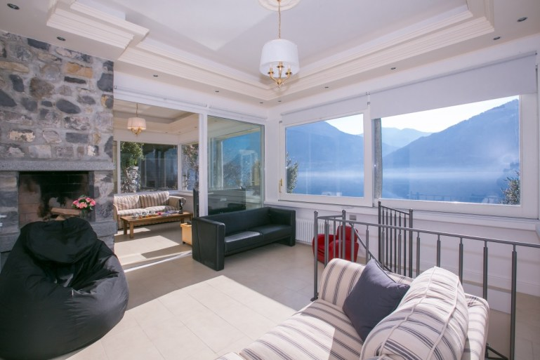 holiday villa lake lugano
