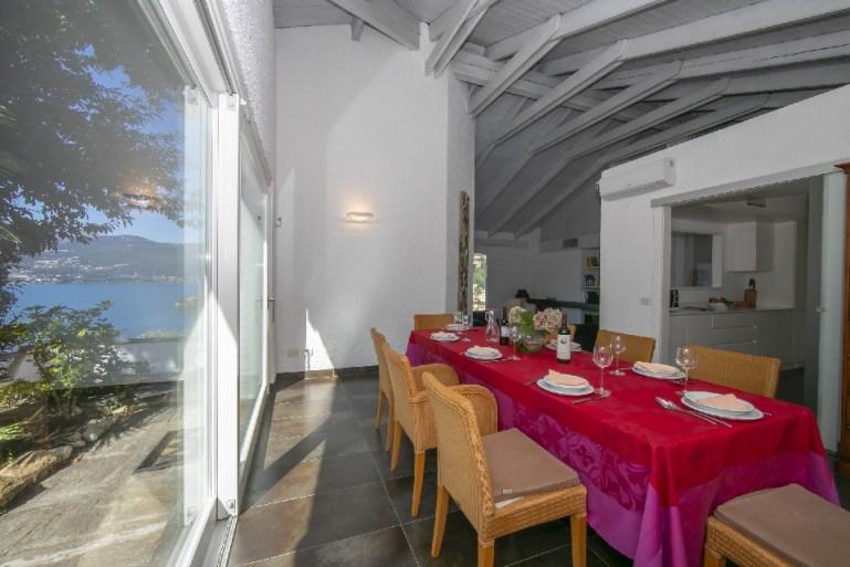 villa private pool maggiore