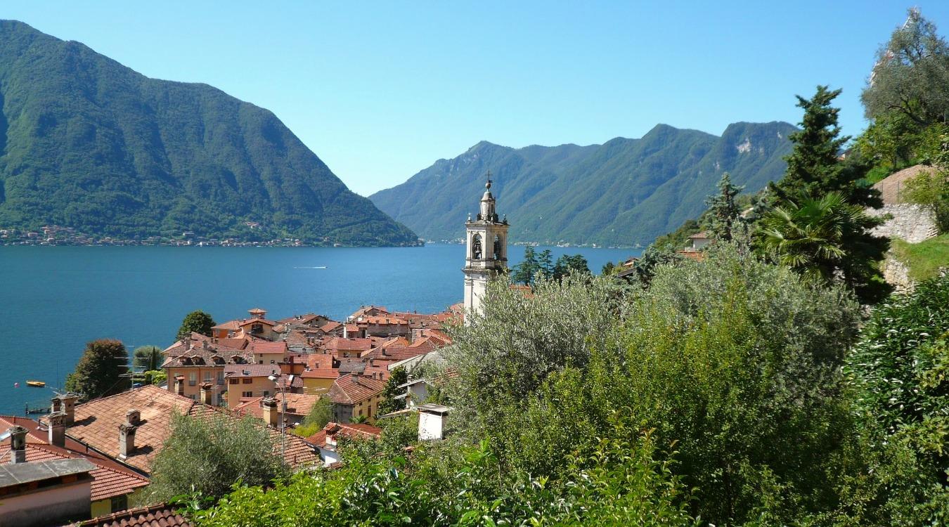 Antica Villa Gaeta lake como | hiking along the antica strada regina between