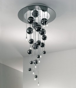 I lampadari moderni per la cucina e il soggiorno sono perfetti se desideriamo uno stile semplice ma allo stesso tempo d'impatto. Scopri I Lampadari Moderni Dal Design Raffinato