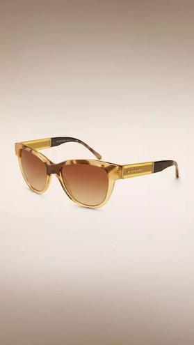 Gli occhiali da sole Burberry Cat-eye