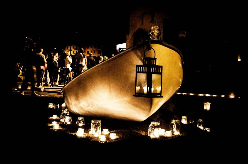 Migliaia di lumini illuminano le vie di Vallerano.