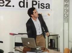 """All'Università di Pisa, laurea a pieni voti in Fisica della materia per Andrea Ottomaniello, con la tesi """"Rotazione di Faraday gigante in una metasuperfice ibrida composta da grafene e risonatori split-ring""""."""