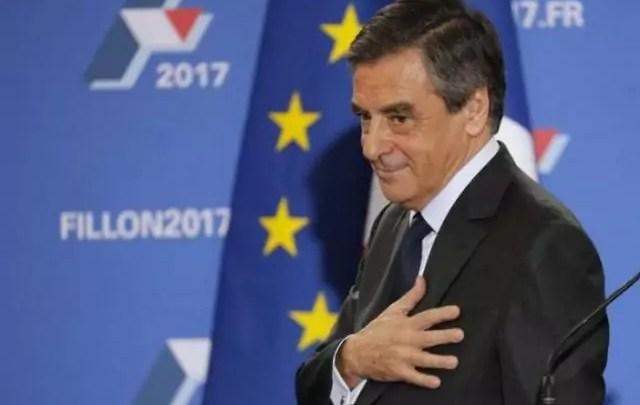 Tornata finale delle primarie del Centrodestra a Parigi, i Repubblicani lanciano l'ex primo ministro François Fillon alle Presidenziali di aprile.