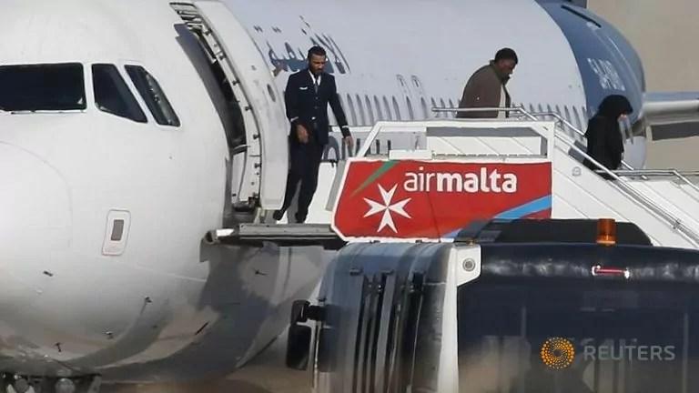 Aereo dirottato malta afriqiya airways