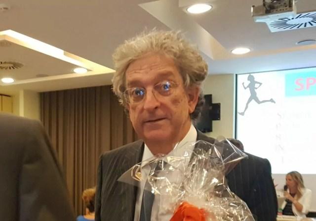 Enrico Morando, viceministro Economia e Finanza, lascia la tavola rotonda sul futuro delle libere professioni del Colap (ph. In24/P. Nigro).
