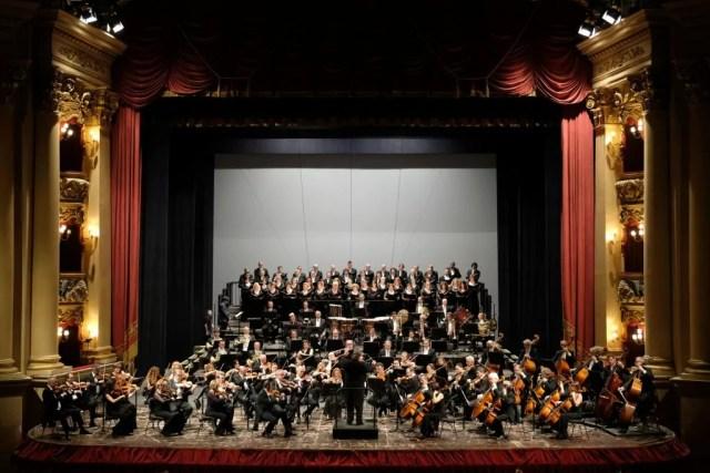 orchestra e coro arena di Verona ph. Ennevi