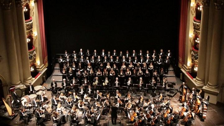 Orchestra e coro dell'Arena di Verona (ph. Ennevi).
