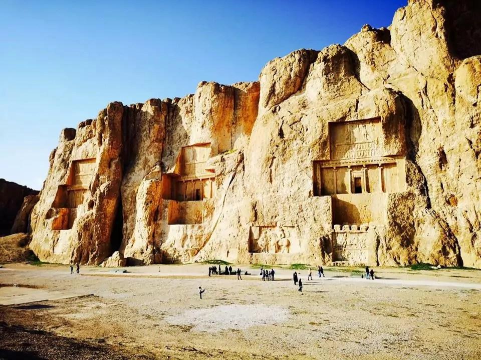 Iran La Necropoli di Naqsh-e-Rostam (Ph. Patrizia Russo/IT 24).
