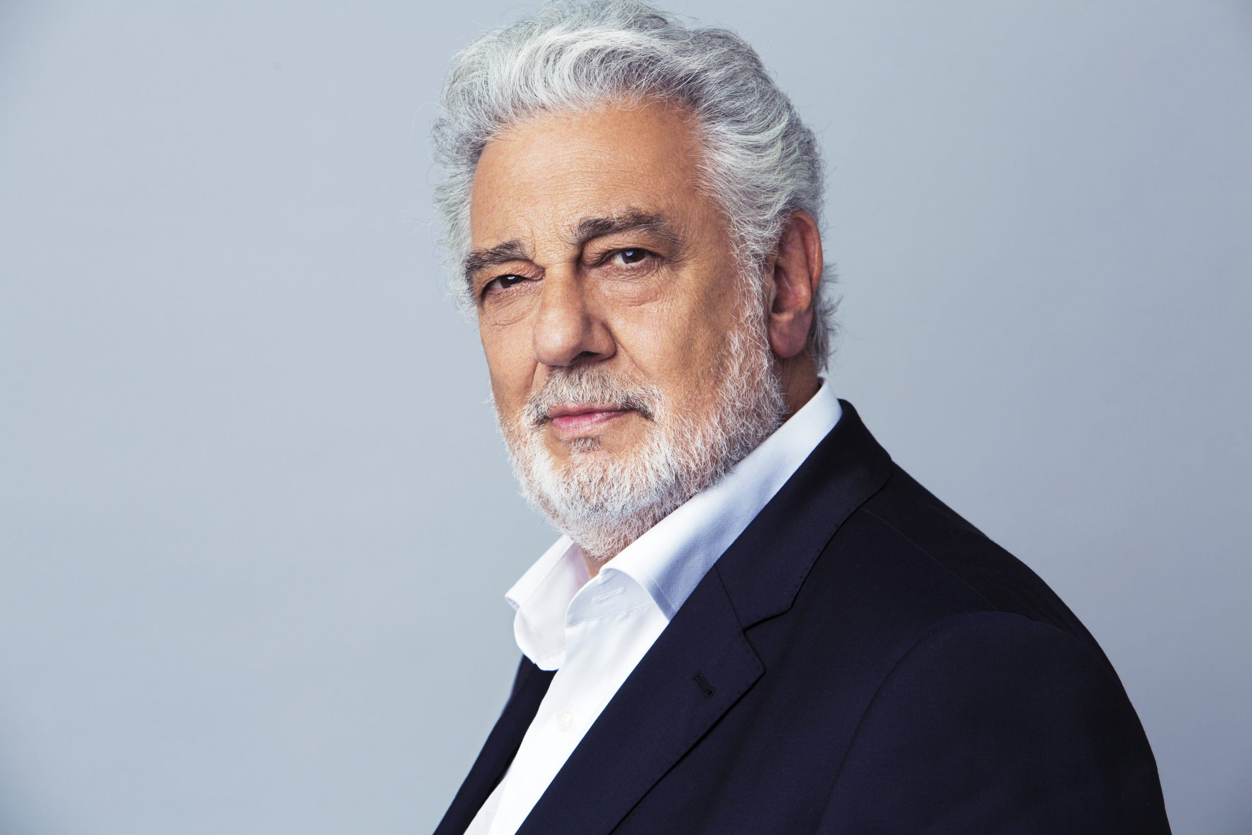 Placido Domingo (Ph. © Pedro Walker).