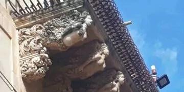 Noto: balconi decorati di Via via Nicolaci Ph. P.Russo/IT24