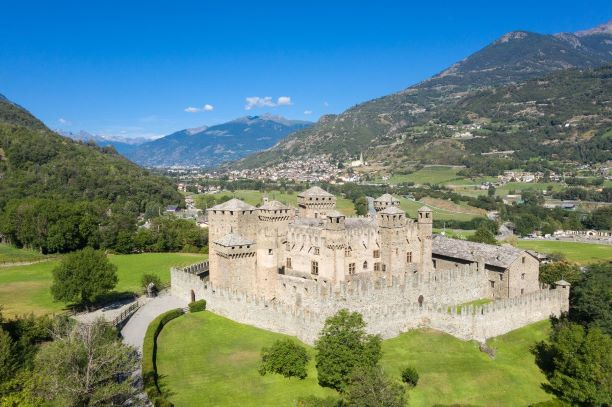 VALLE D'AOSTA-Castello di Fenis (foto Enrico Romanzi)