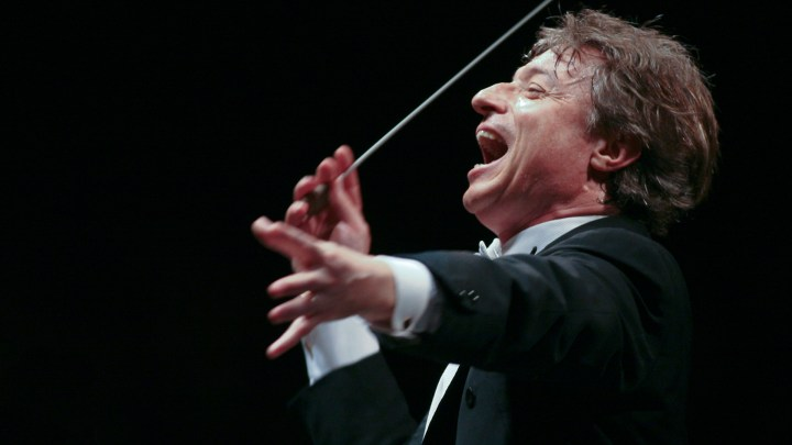 Al via il mese di celebrazioni per l'anniversario della nascita di Giacomo Puccini. Domani la deposizione della corona di alloro, il 22 il concerto di Abbado. #MesePucciniano