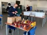 Mensa per famiglie bisognose nella mensa Atitech di Napoli