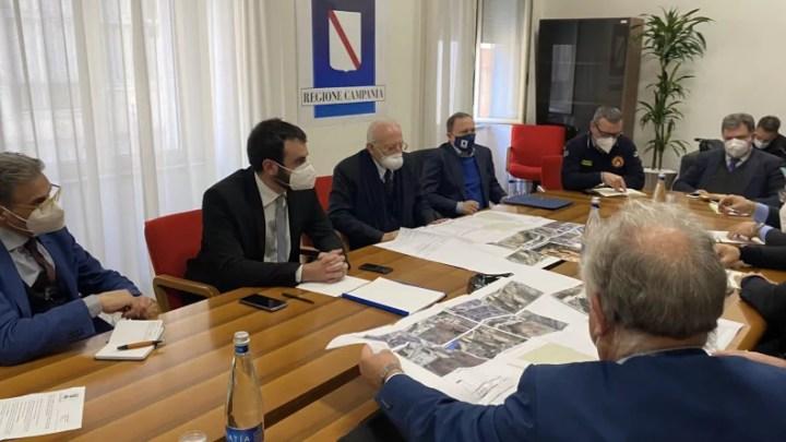 Frana di Amalfi, tavolo al Genio civile di Salerno con il governatore De Luca, Anas e Protezione civile.