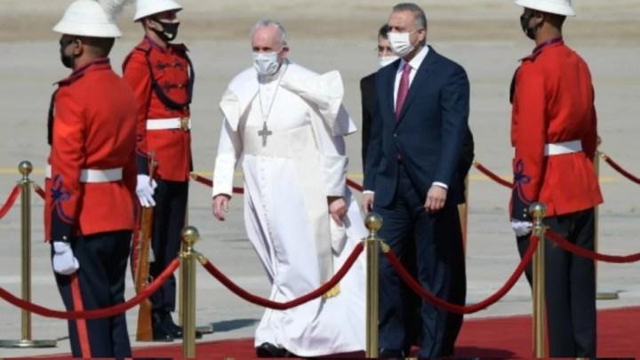 Papa Francesco arriva a Baghdad