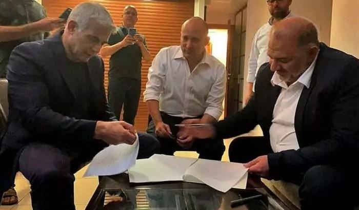 Israele, accordo tra i leader di destra e di sinistra per far nascere il nuovo governo del dopo Netanyahu