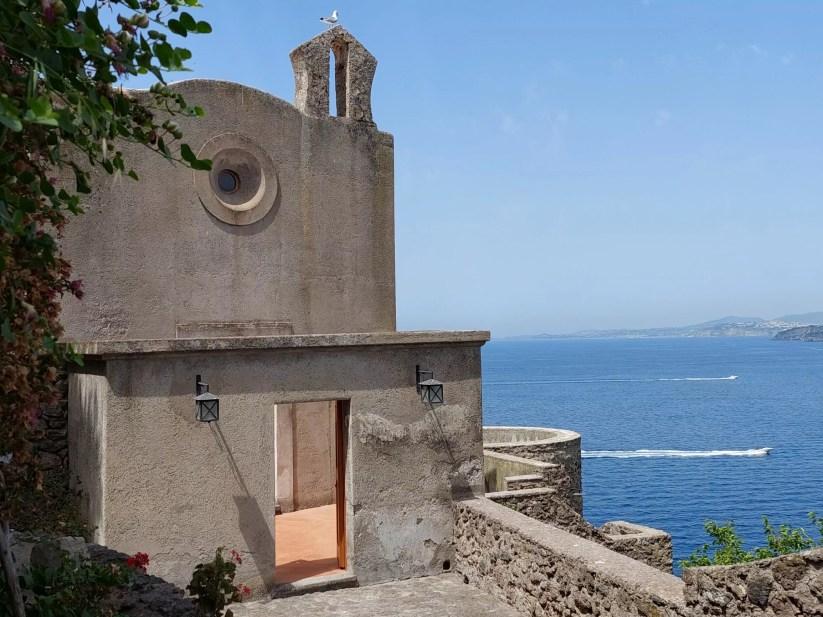 Ischia, la Chiesa di Santa Maria delle Grazie o dell'Ortodonico (Ph. P. Russo/IT24).