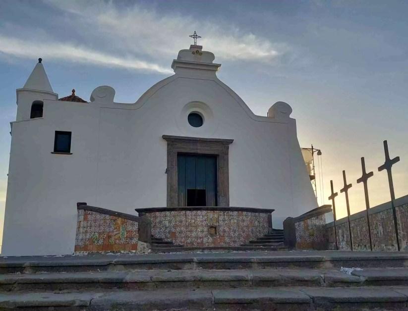 Ischia, la Chiesa del Soccorso a Forio (Ph. P. Russo/IT24).