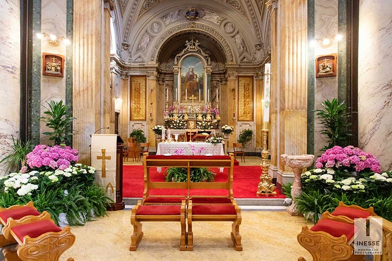 ceremony in stunning church of Sant' Anna in Rome