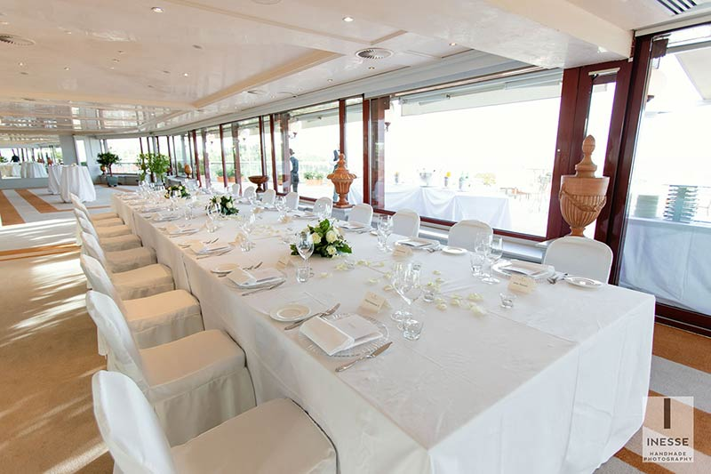 Wedding reception in a stunning terrace overlooking Rome