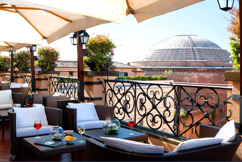 Terrasse du Grand Hotel de la Minerve Rome