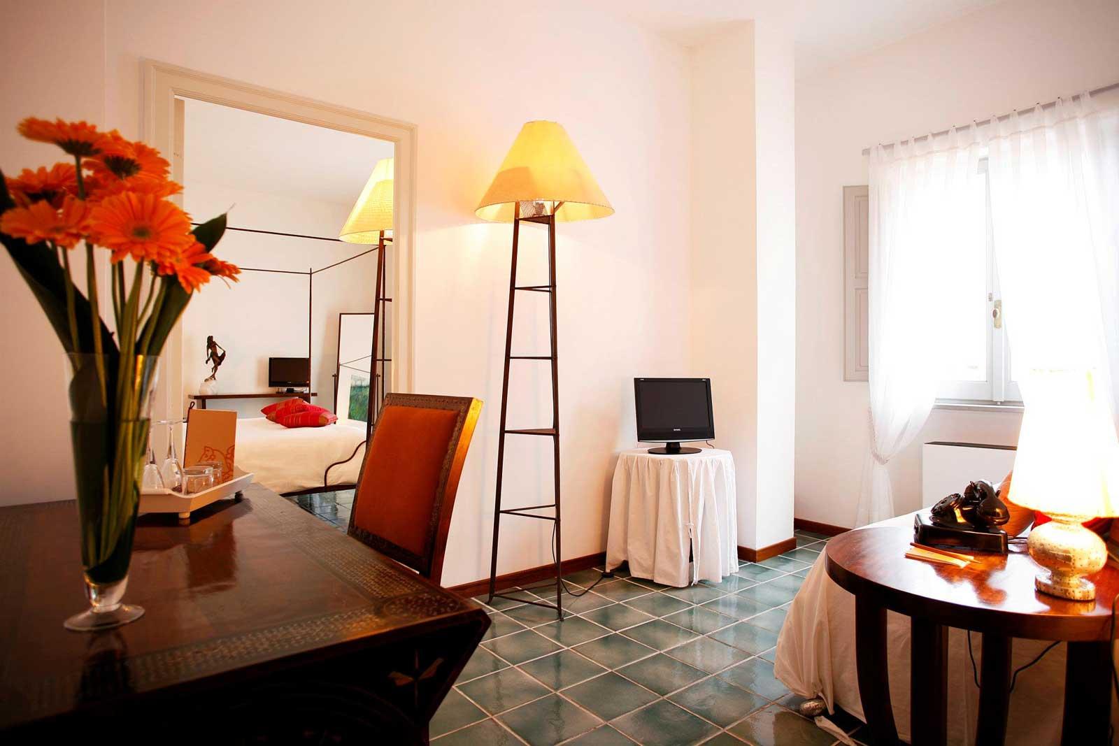 Locanda Delle Donne Monache Maratea : suite coté salon