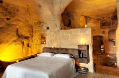 Le-Grotte-Della-Civita-2