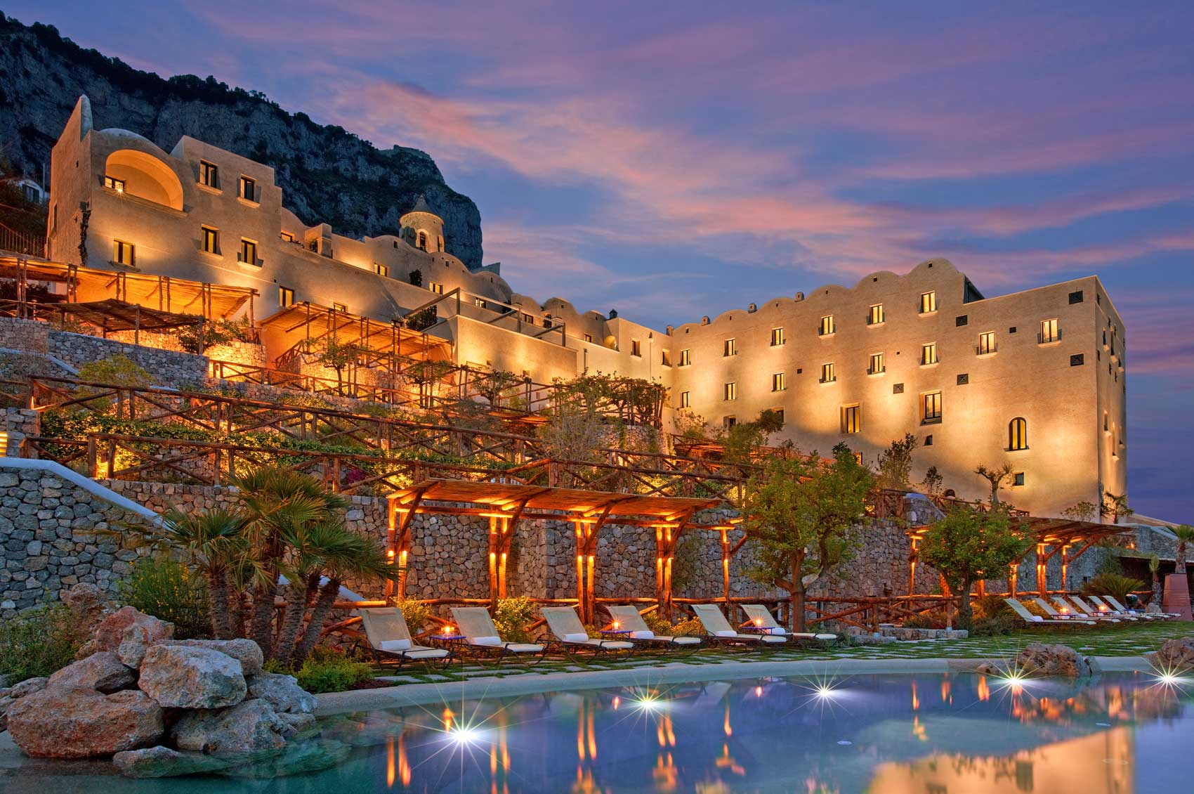 Monastero santa rosa h tel de charme c te amalfitaine for Great small hotels italy