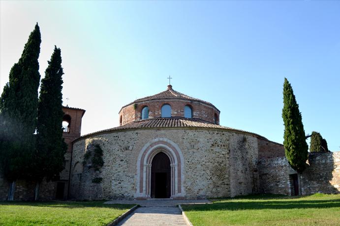 Perugia, Tempio di San Michele Arcangelo, Foto © Aniek Rooderkerken