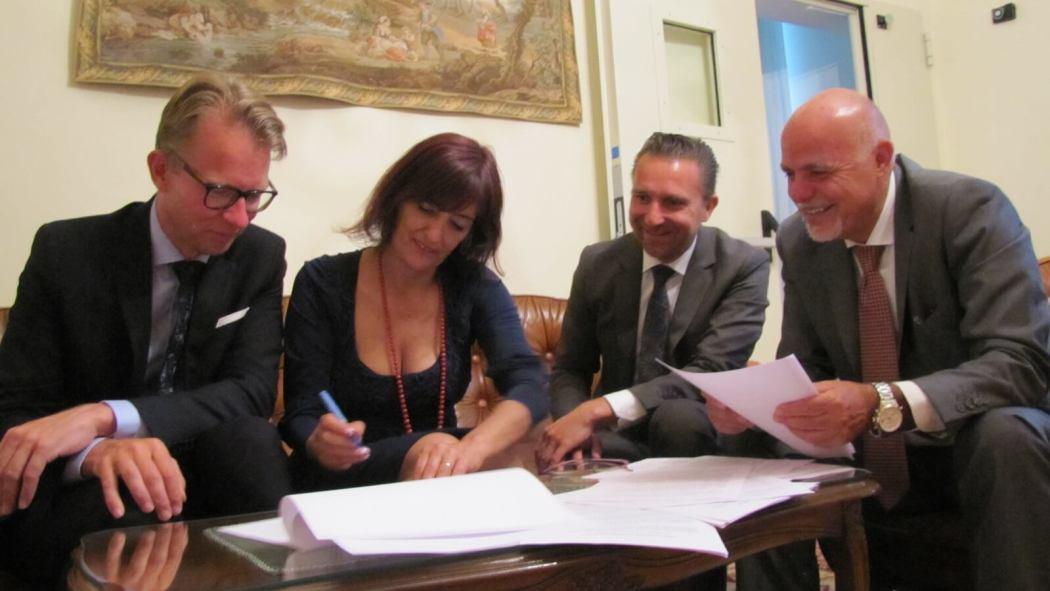 Tekenen contract Casale del Passatore