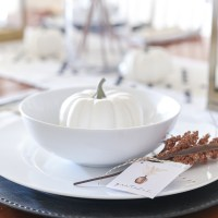 Thanksgiving Table and Free Place Card Printables