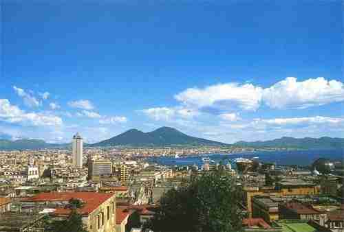 Bay_of_Naples_and_Mount_Vesuvius2C_Italy