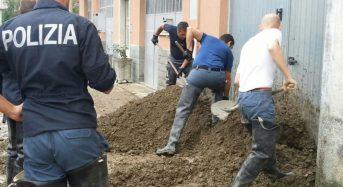 Genova: poliziotti con la pala