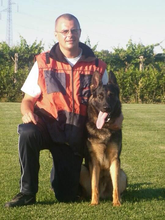 Giorgio Monaco e uno dei suoi cani