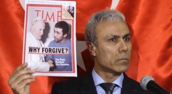 """Ali Agca entra liberamente, prima in Italia, poi in Vaticano, dove sono i """"servizi""""?"""