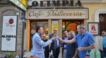 Ragusa. Grande festa nel centro storico superiore per i cinquant'anni di attività del bar Olimpia